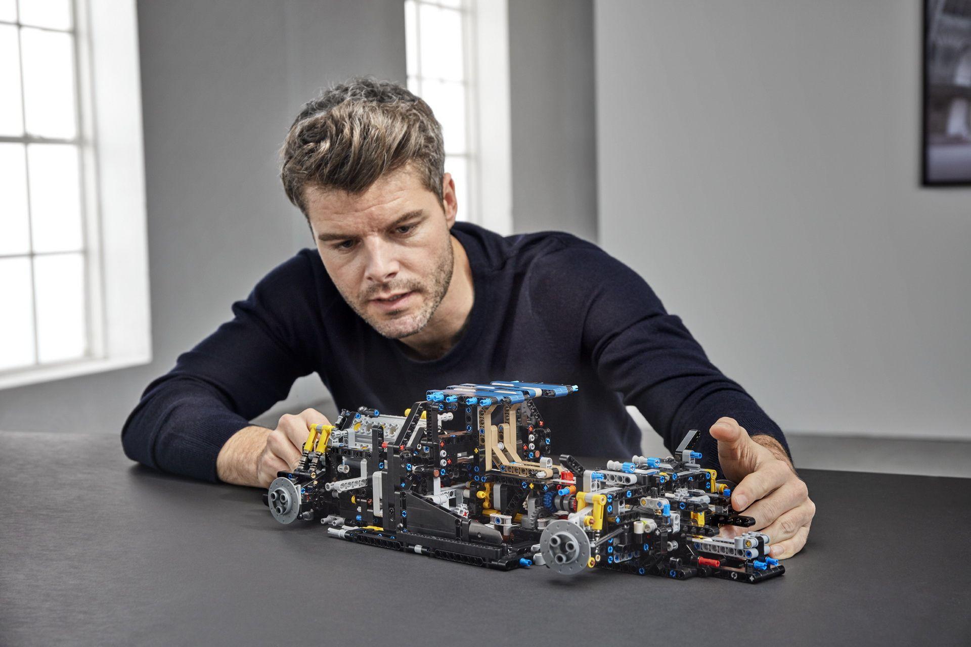 bugatti-chiron-lego-technic-10