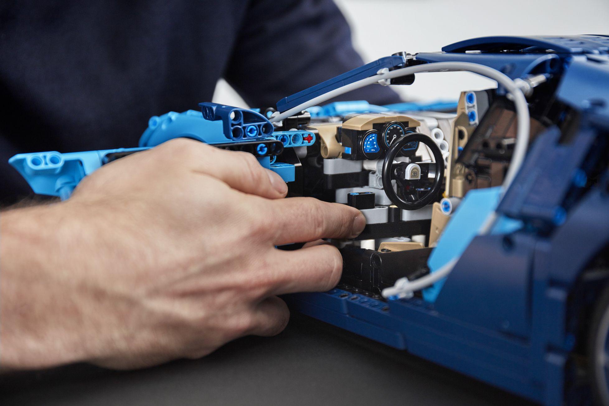 bugatti-chiron-lego-technic-20