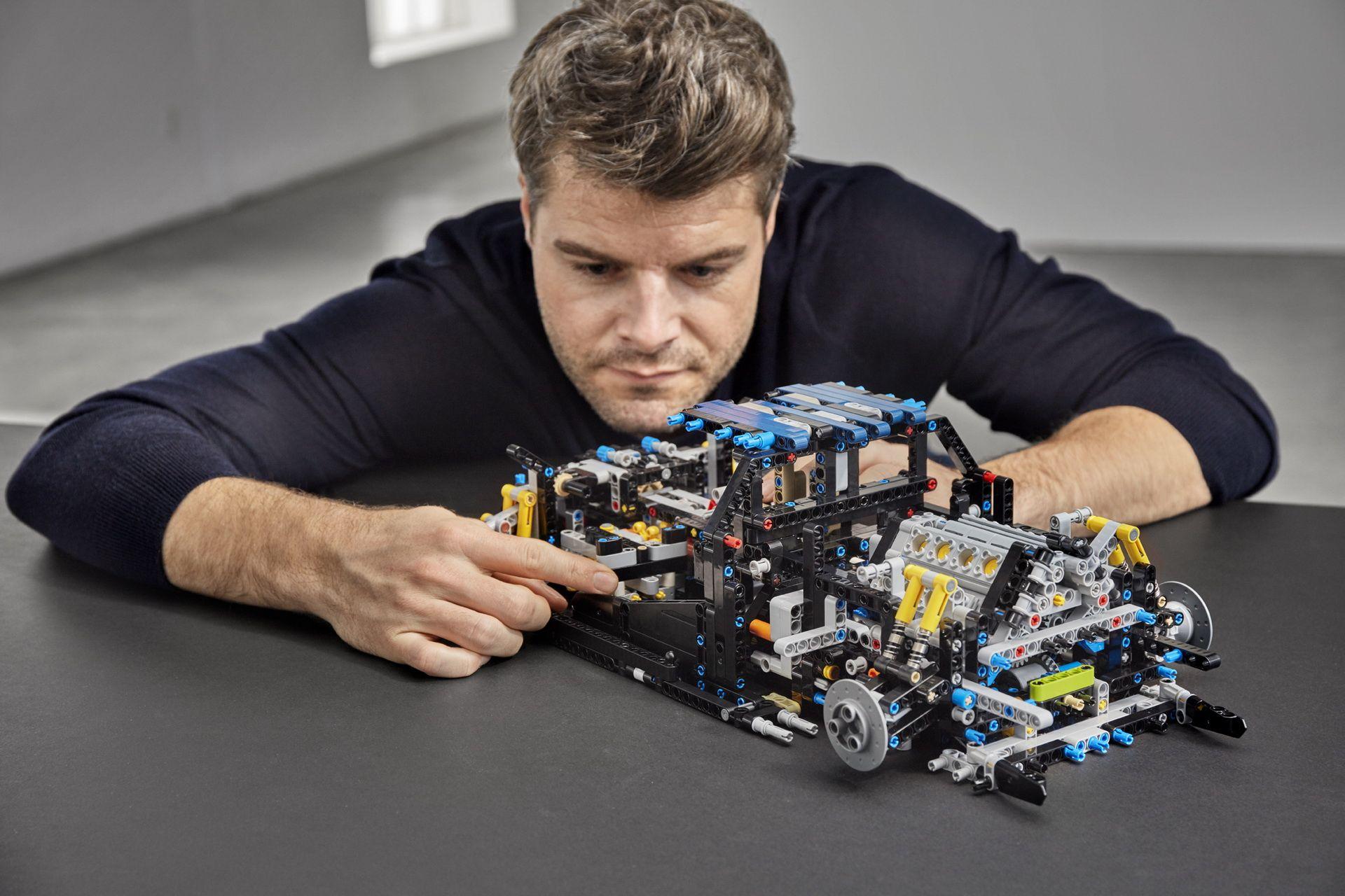 bugatti-chiron-lego-technic-21