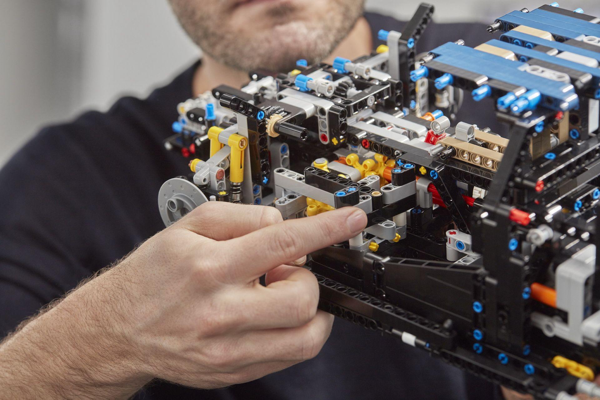 bugatti-chiron-lego-technic-22