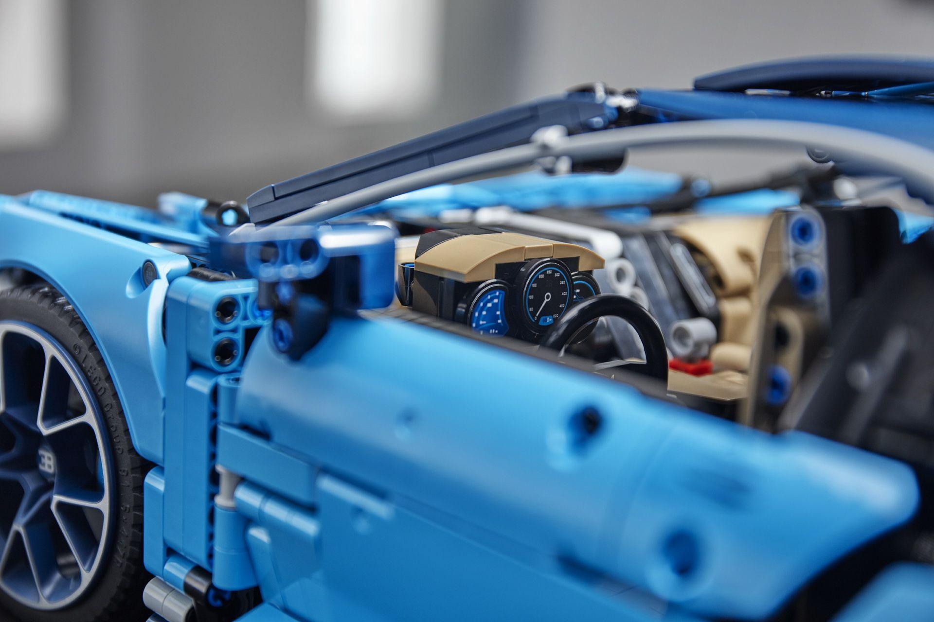 bugatti-chiron-lego-technic-42