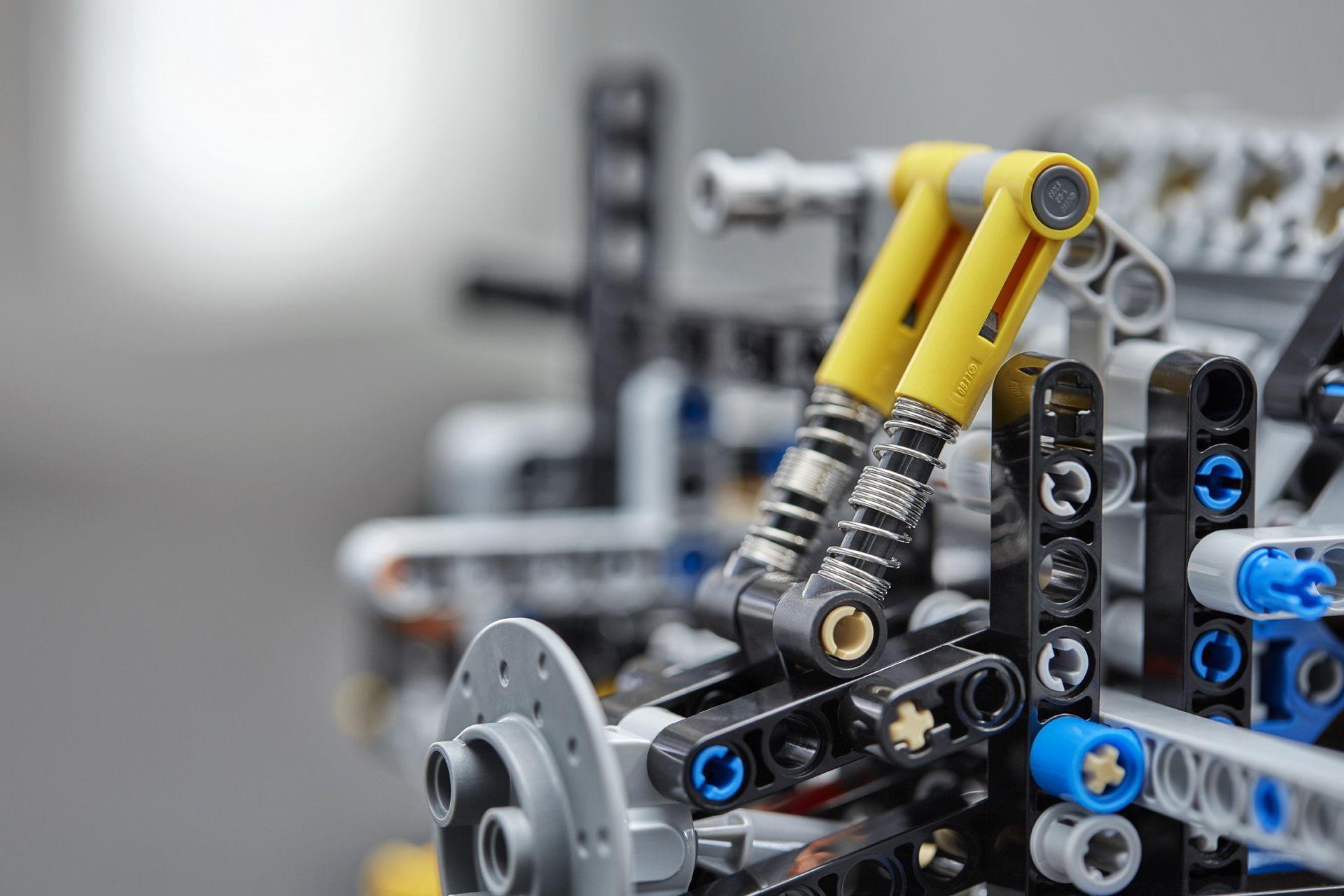 bugatti-chiron-lego-technic-47