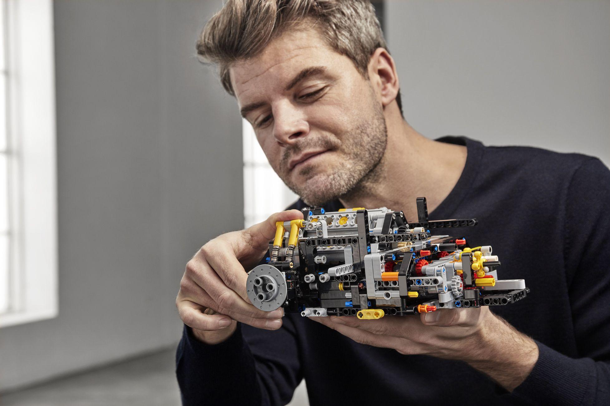 bugatti-chiron-lego-technic-7