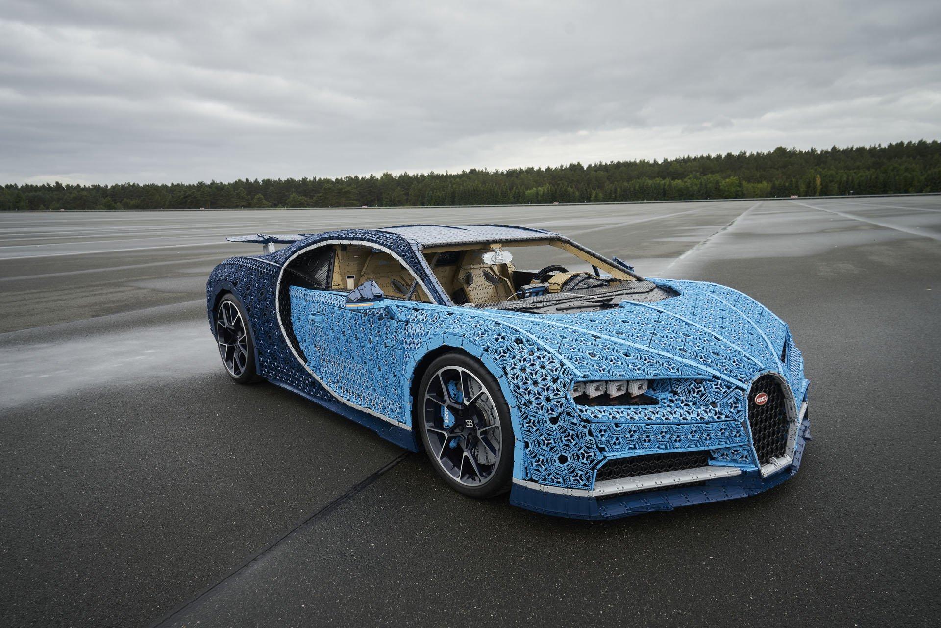Bugatti Chiron Life-Size Lego Technic (11)