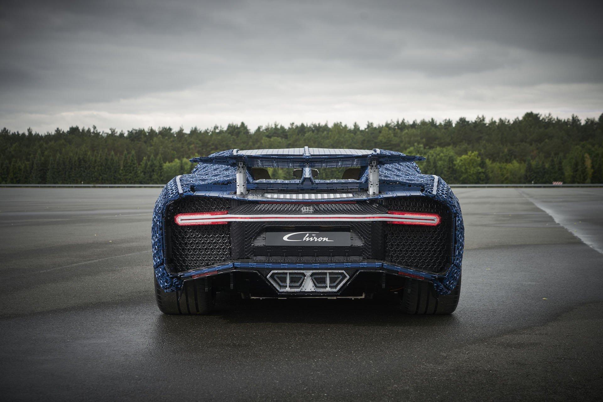 Bugatti Chiron Life-Size Lego Technic (12)