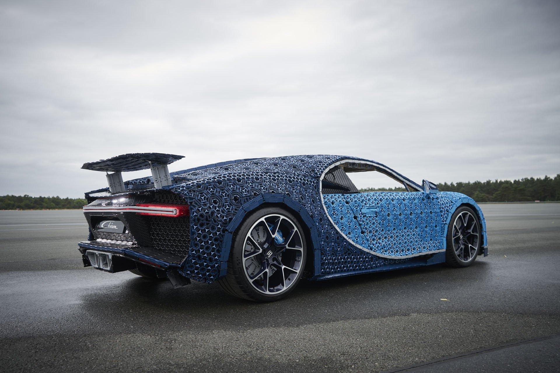 Bugatti Chiron Life-Size Lego Technic (13)