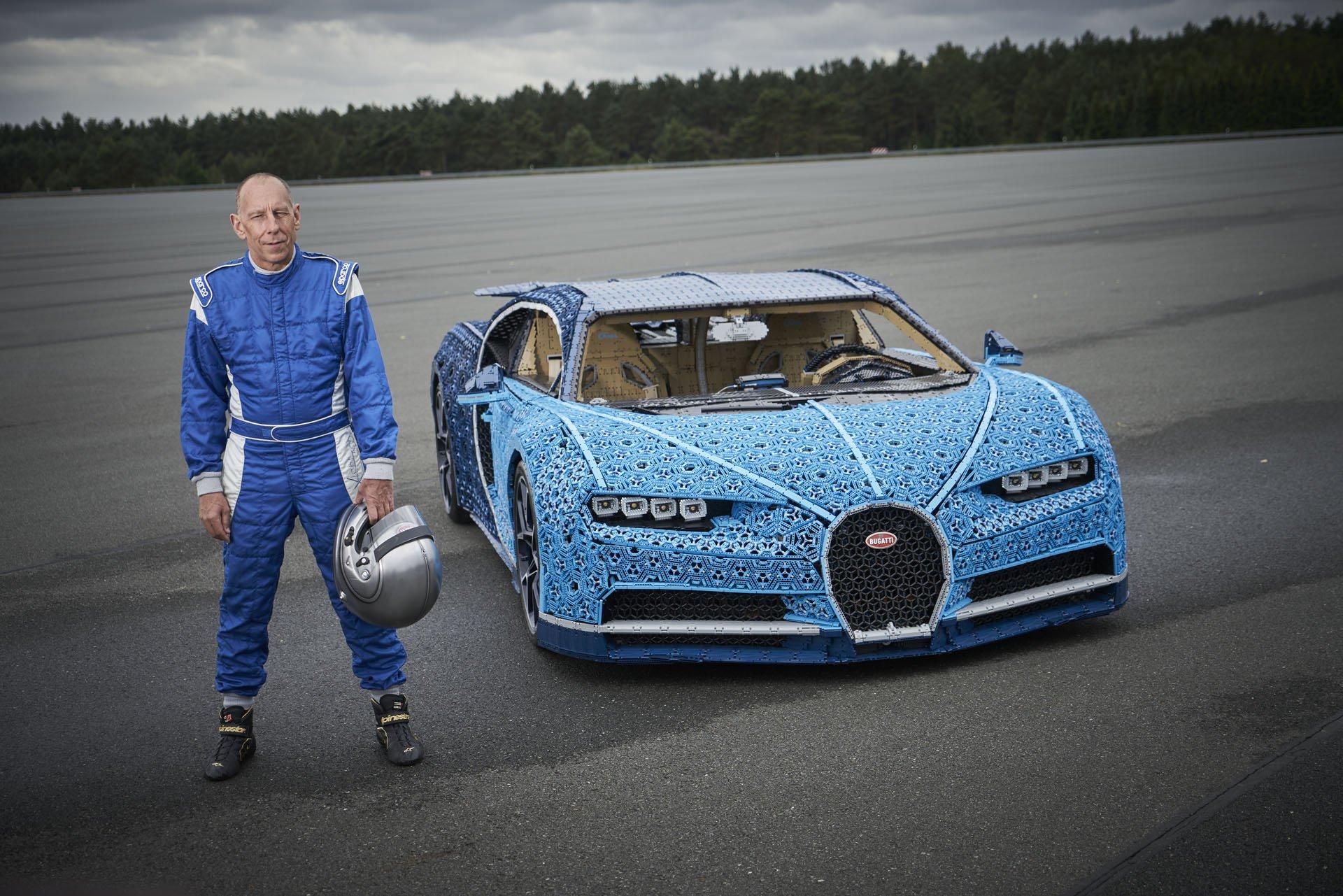Bugatti Chiron Life-Size Lego Technic (20)