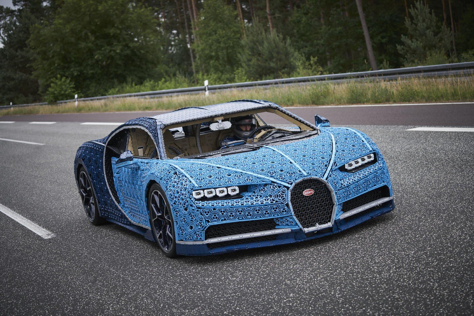 Bugatti Chiron Life-Size Lego Technic (21)