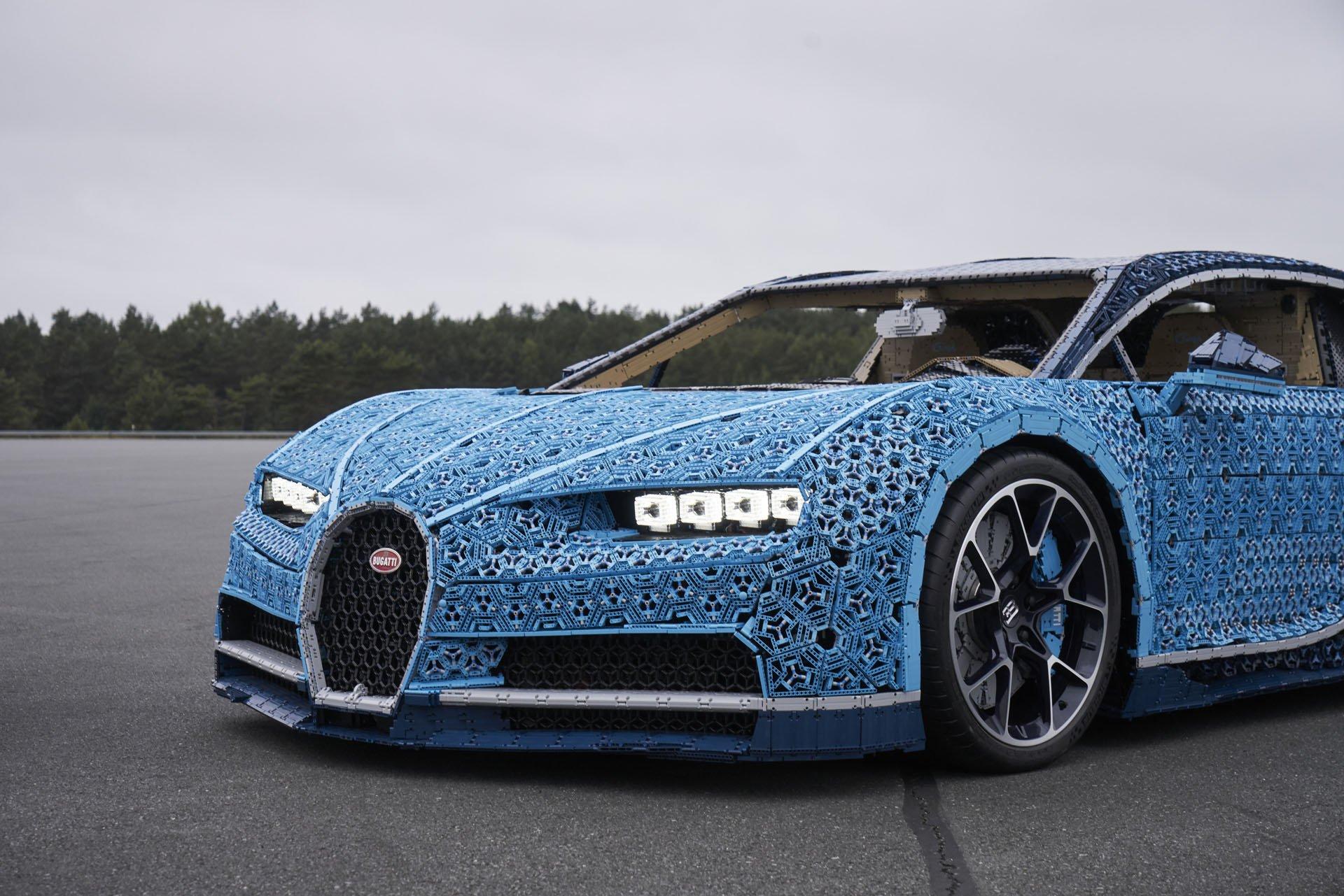 Bugatti Chiron Life-Size Lego Technic (25)