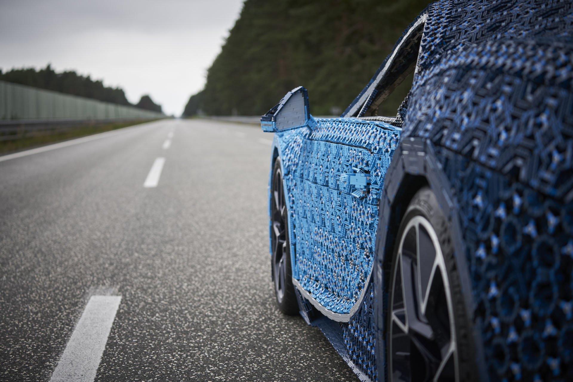 Bugatti Chiron Life-Size Lego Technic (28)