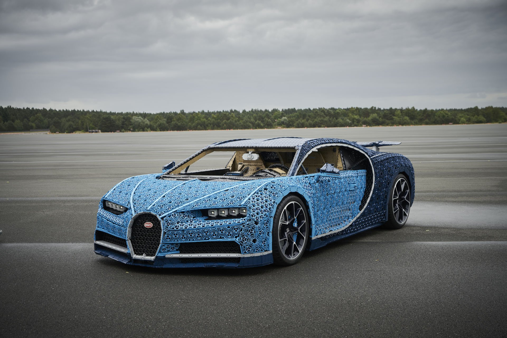 Bugatti Chiron Life-Size Lego Technic (3)