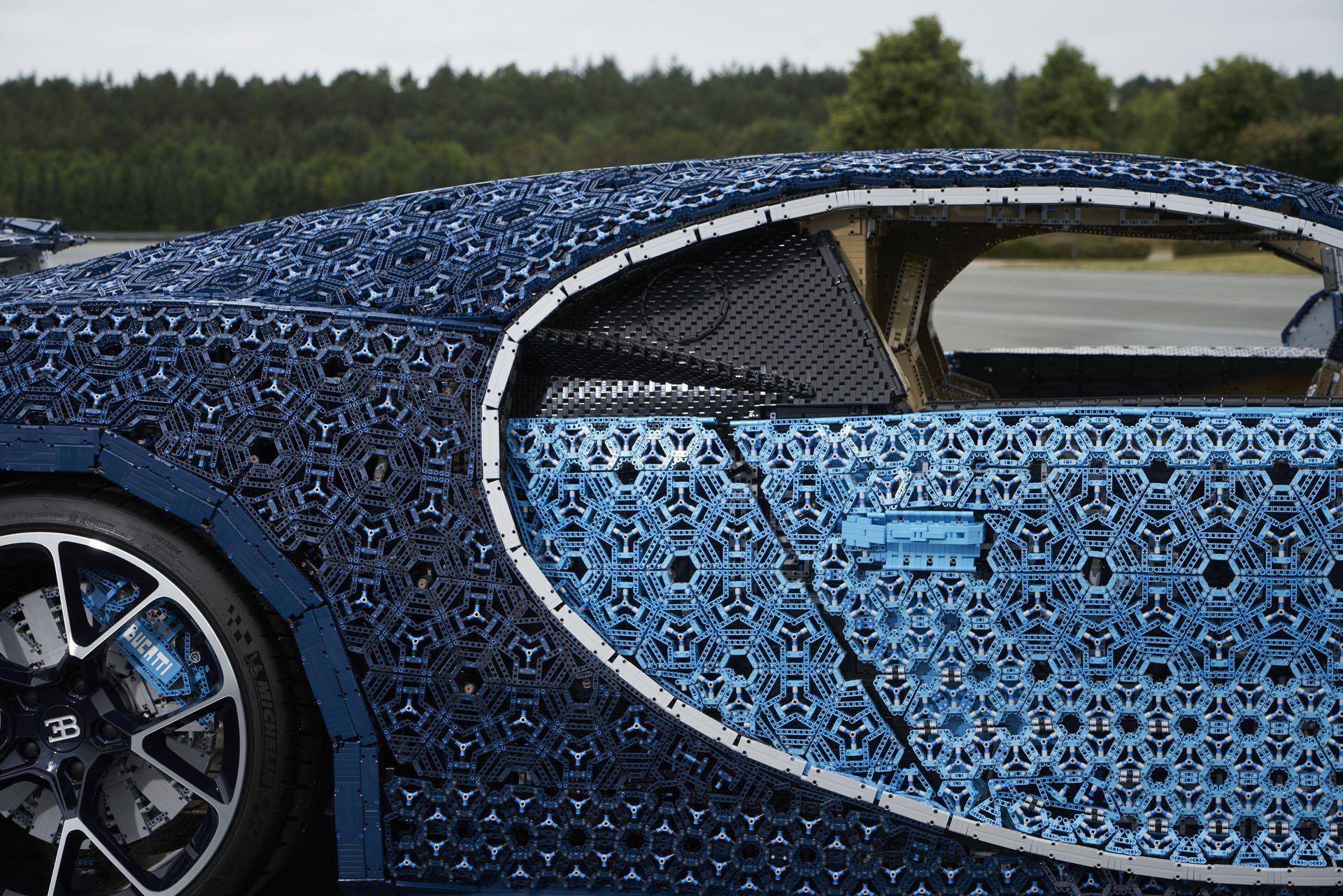 Bugatti Chiron Life-Size Lego Technic (33)
