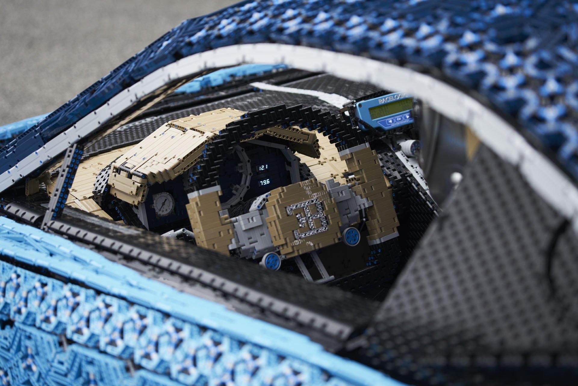 Bugatti Chiron Life-Size Lego Technic (34)