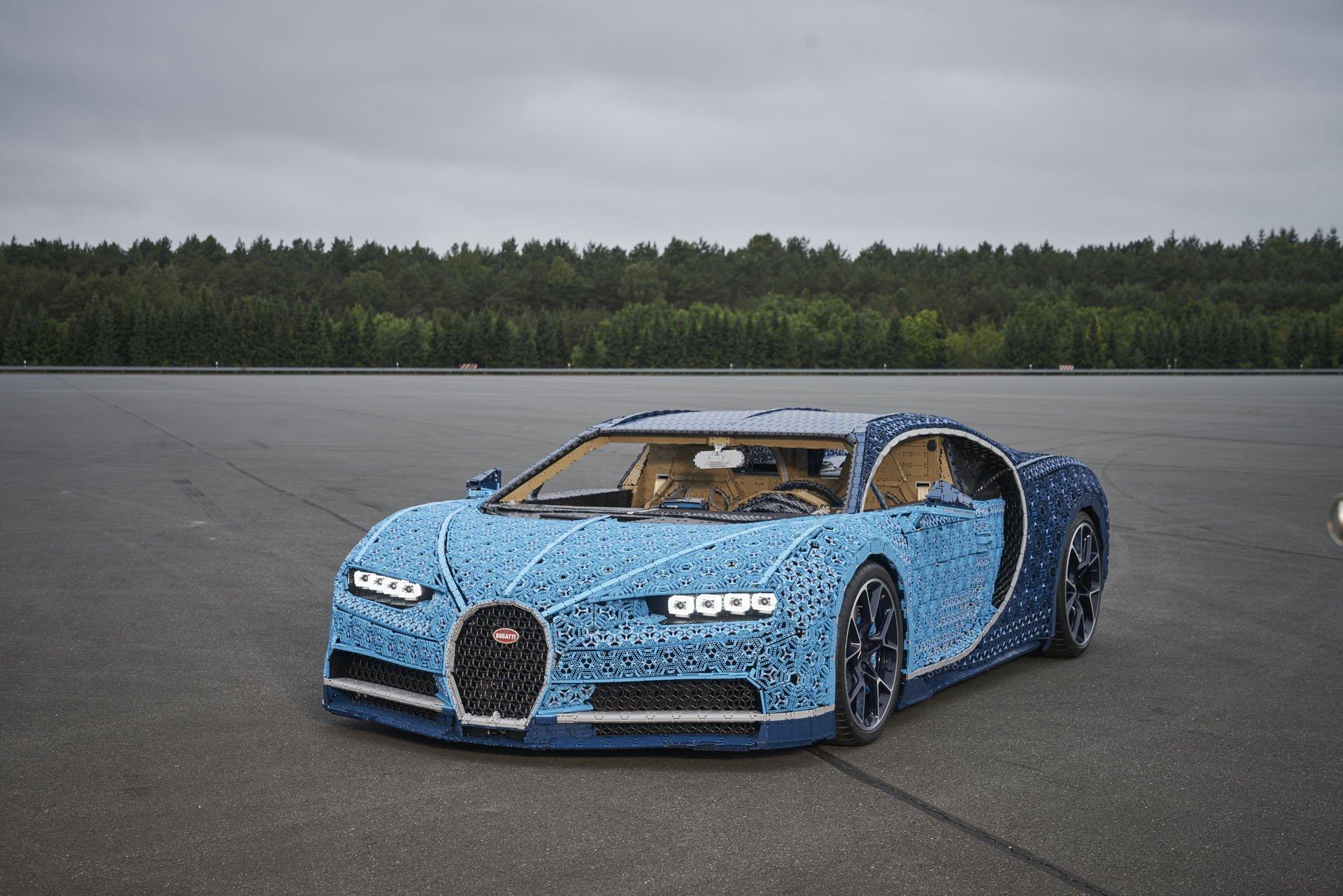 Bugatti Chiron Life-Size Lego Technic (5)