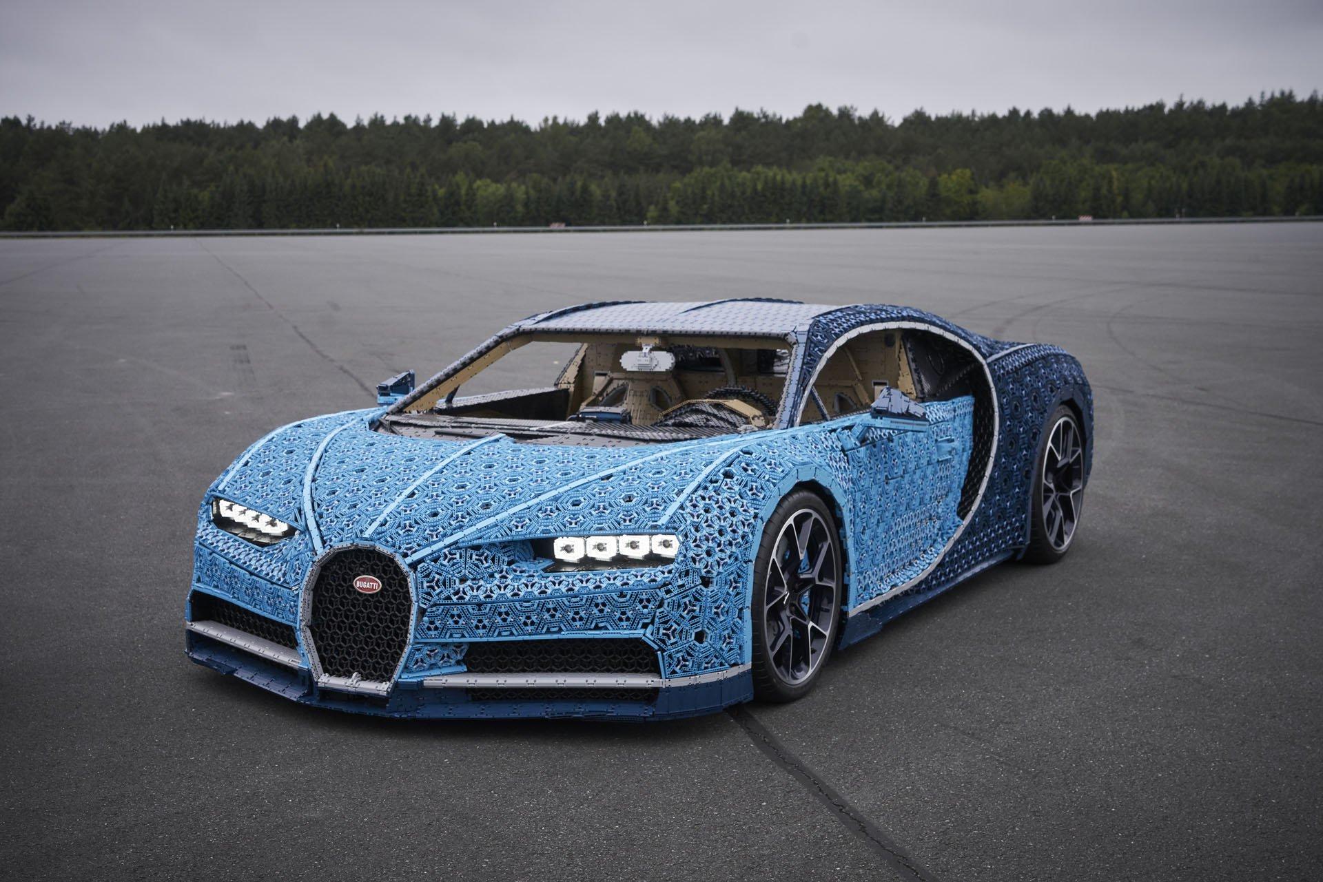 Bugatti Chiron Life-Size Lego Technic (6)