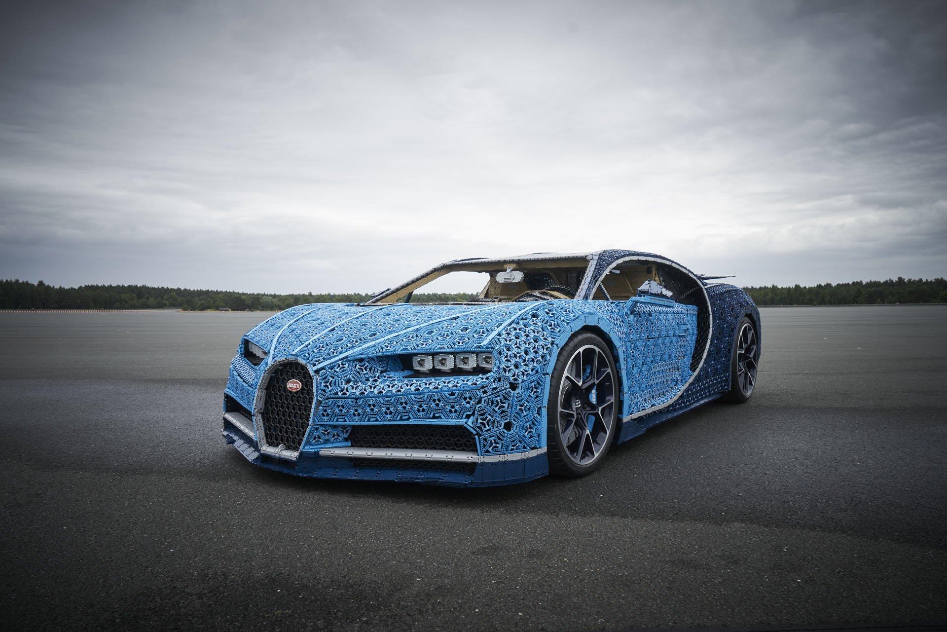 Bugatti Chiron Life-Size Lego Technic (8)