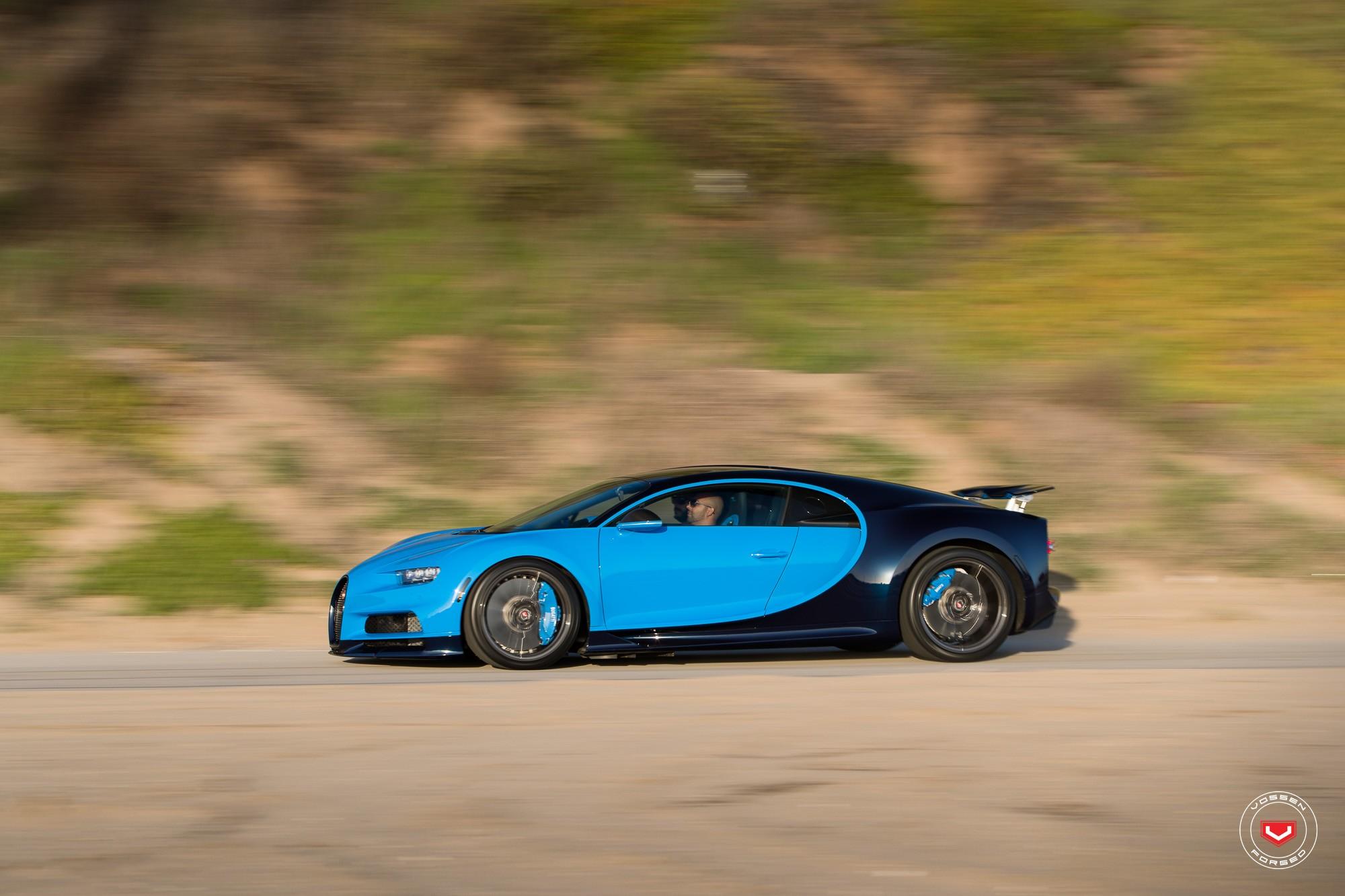 Bugatti Chiron with Vossen wheels (11)