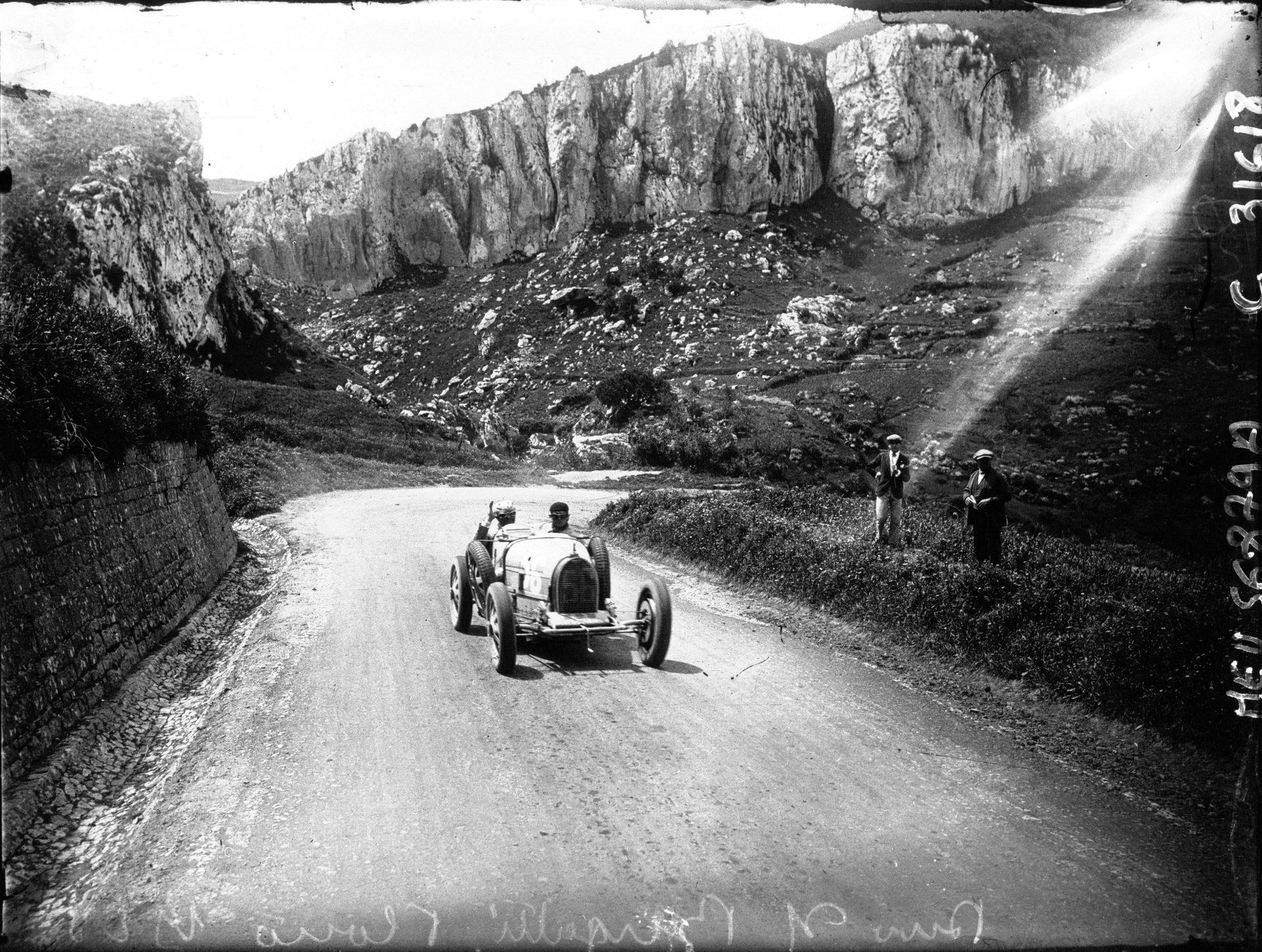 Bugatti Divo (39)