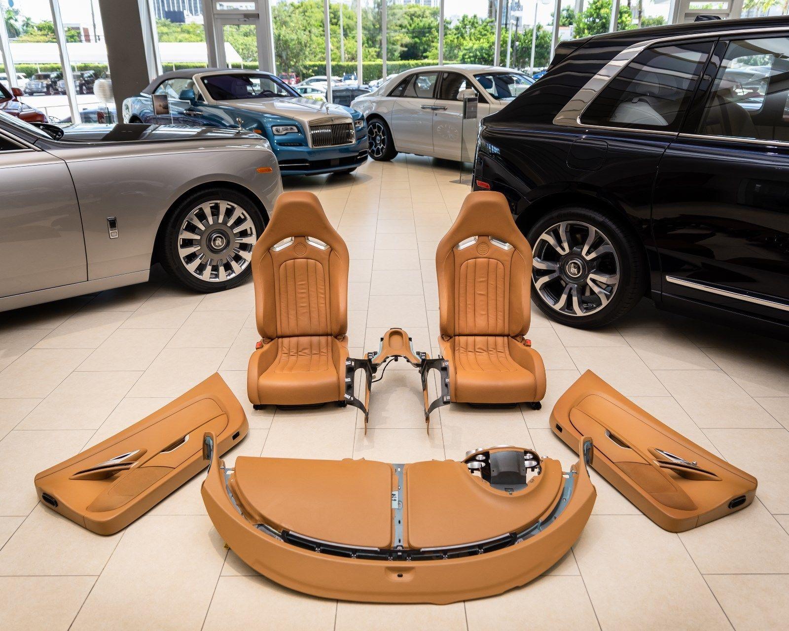 Bugatti Veyron 2008 interior (1)