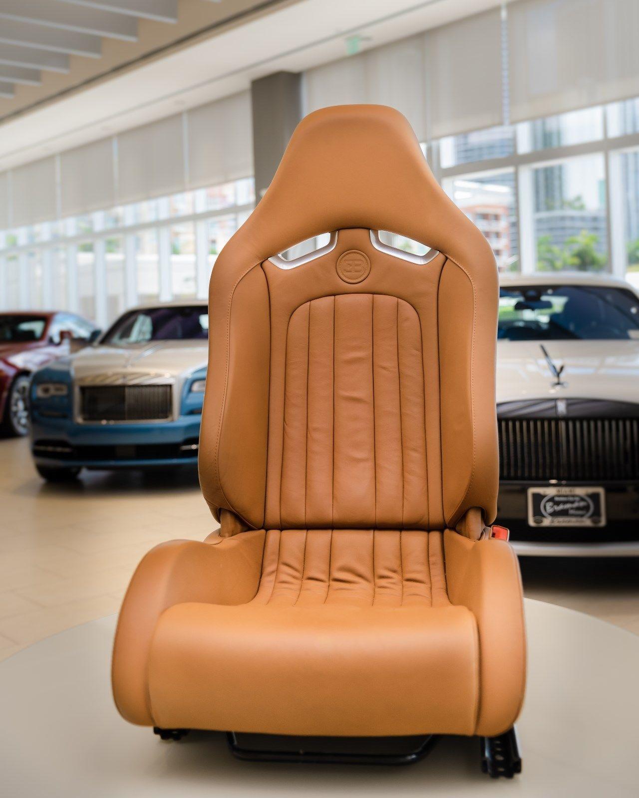 Bugatti Veyron 2008 interior (2)