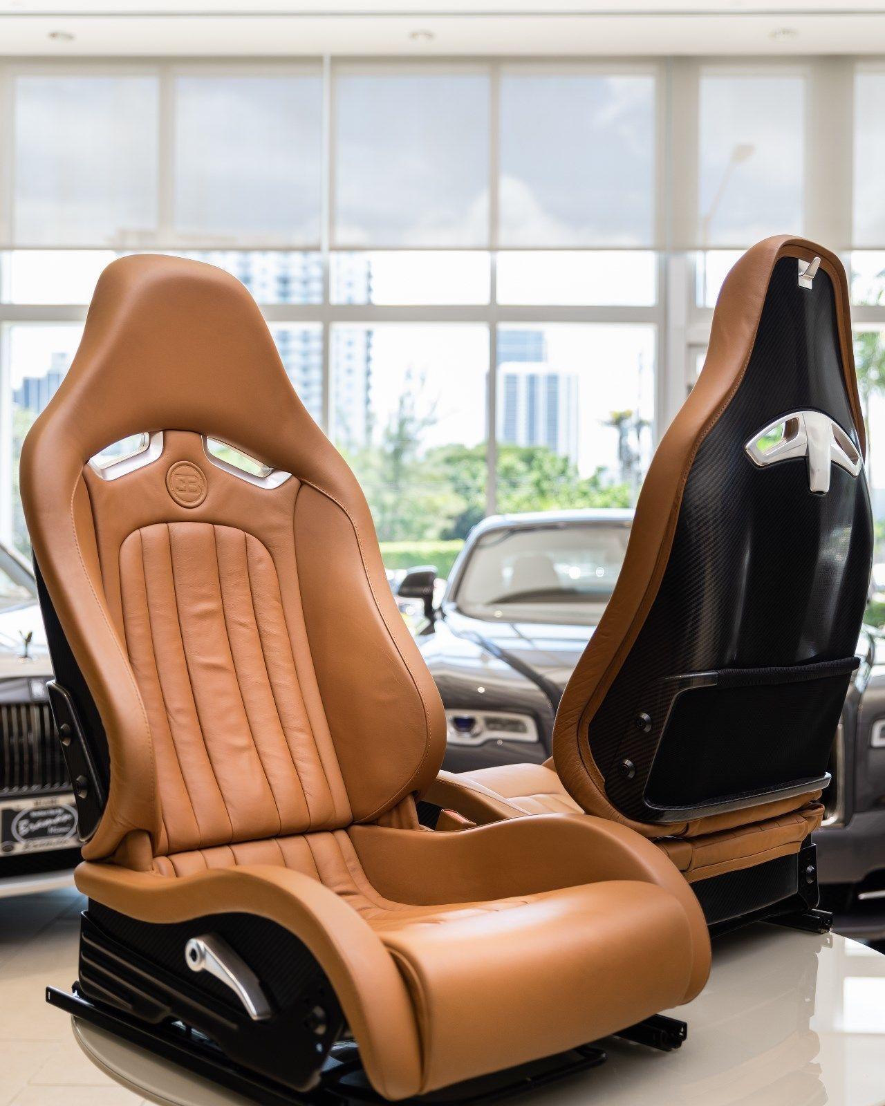 Bugatti Veyron 2008 interior (3)