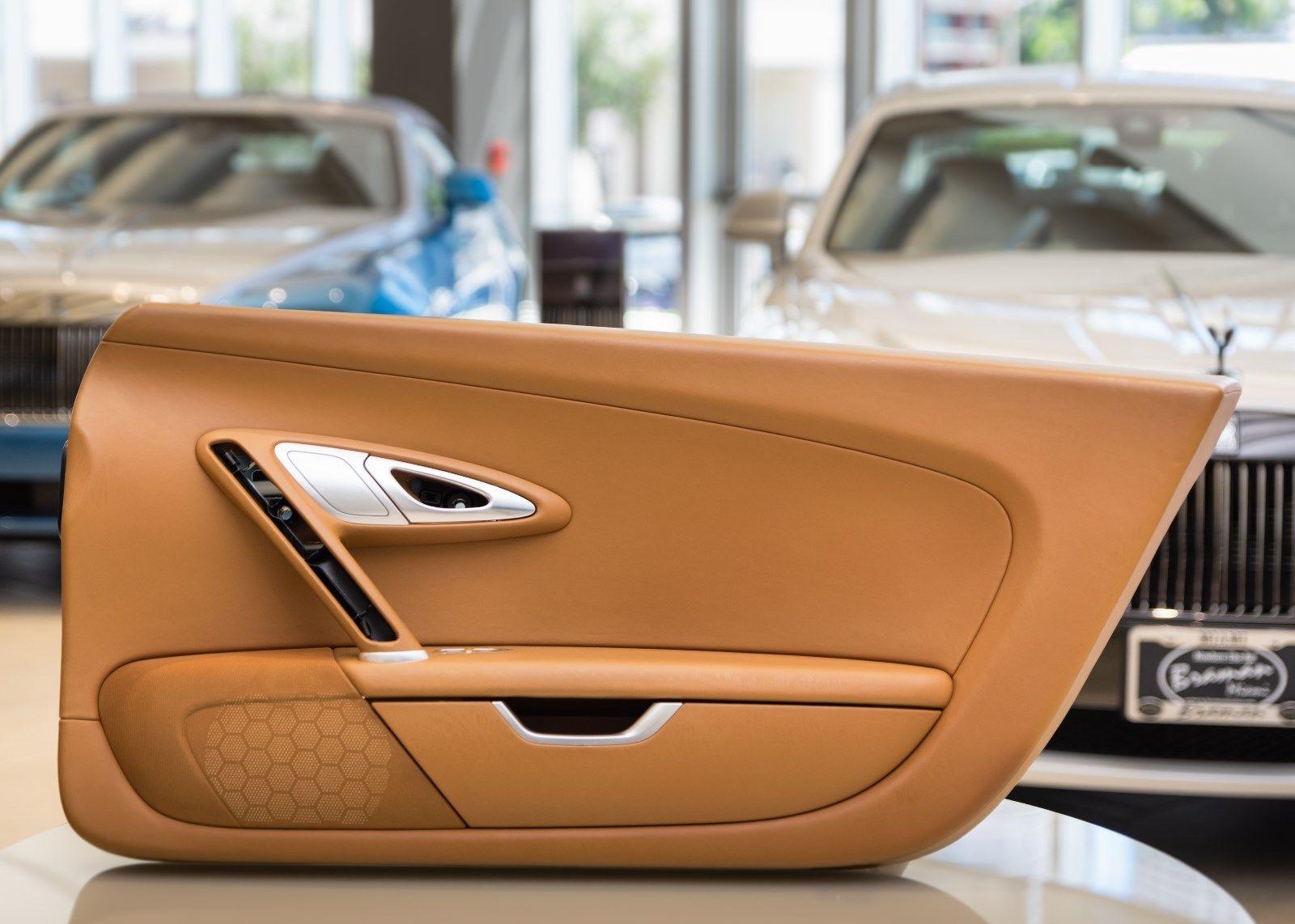 Bugatti Veyron 2008 interior (6)