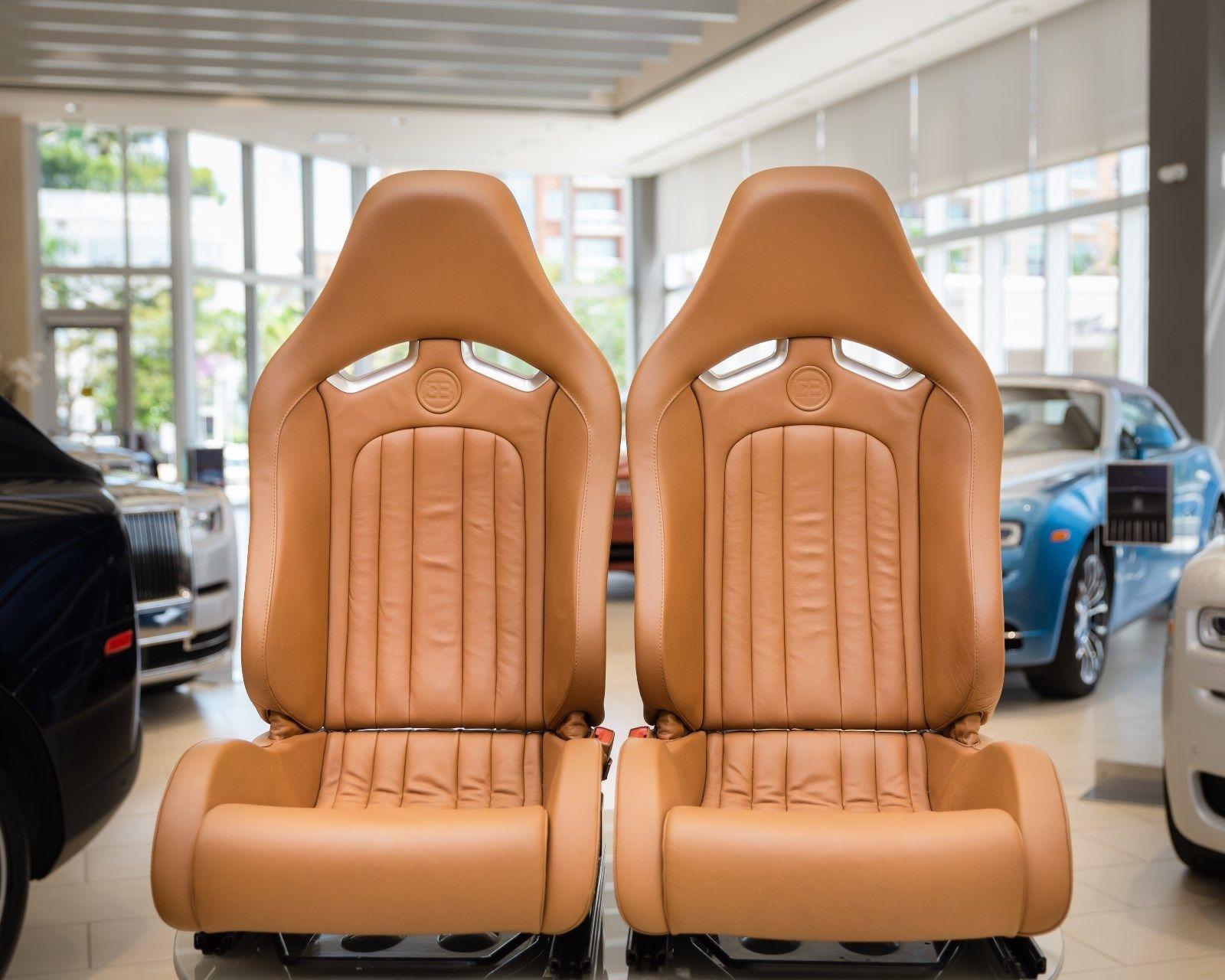 Bugatti Veyron 2008 interior (7)