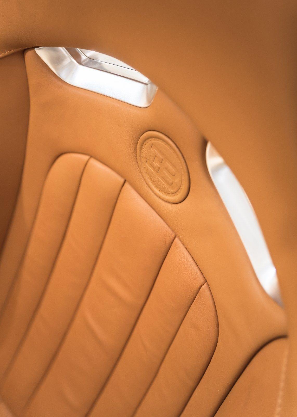 Bugatti Veyron 2008 interior (9)