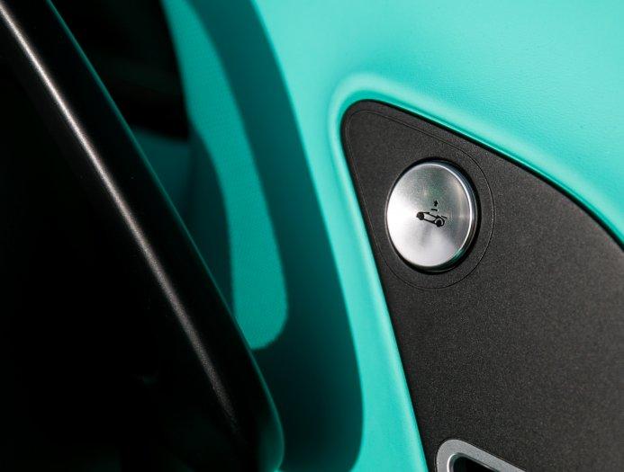Bugatti_Veyron_Grand_Sport_Vitesse_Tiffany_Green_0003