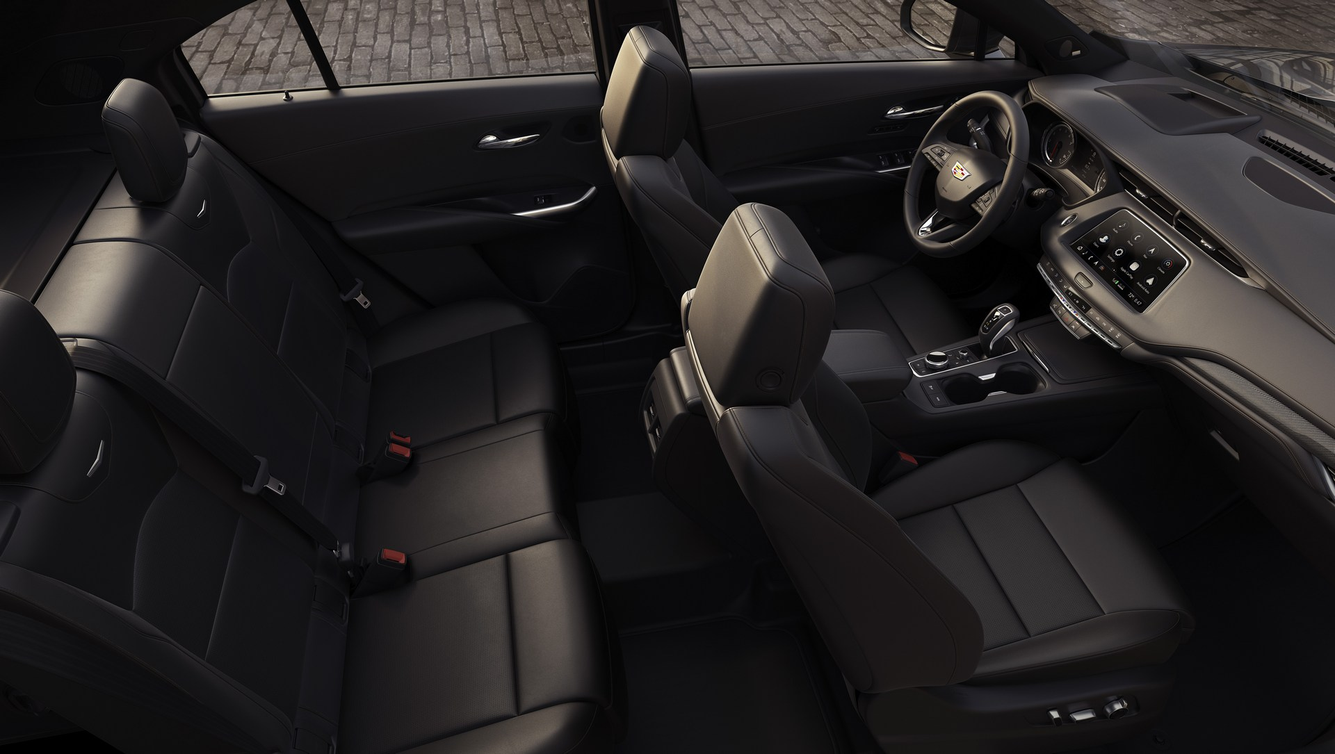 Cadillac-XT4-10