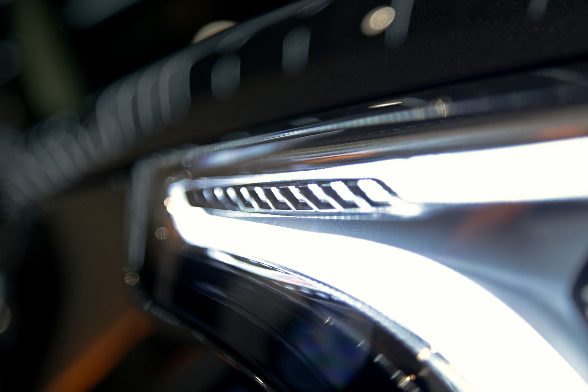 Cadillac-XT4-16