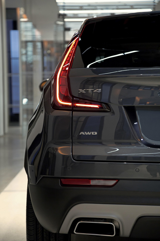 Cadillac-XT4-19