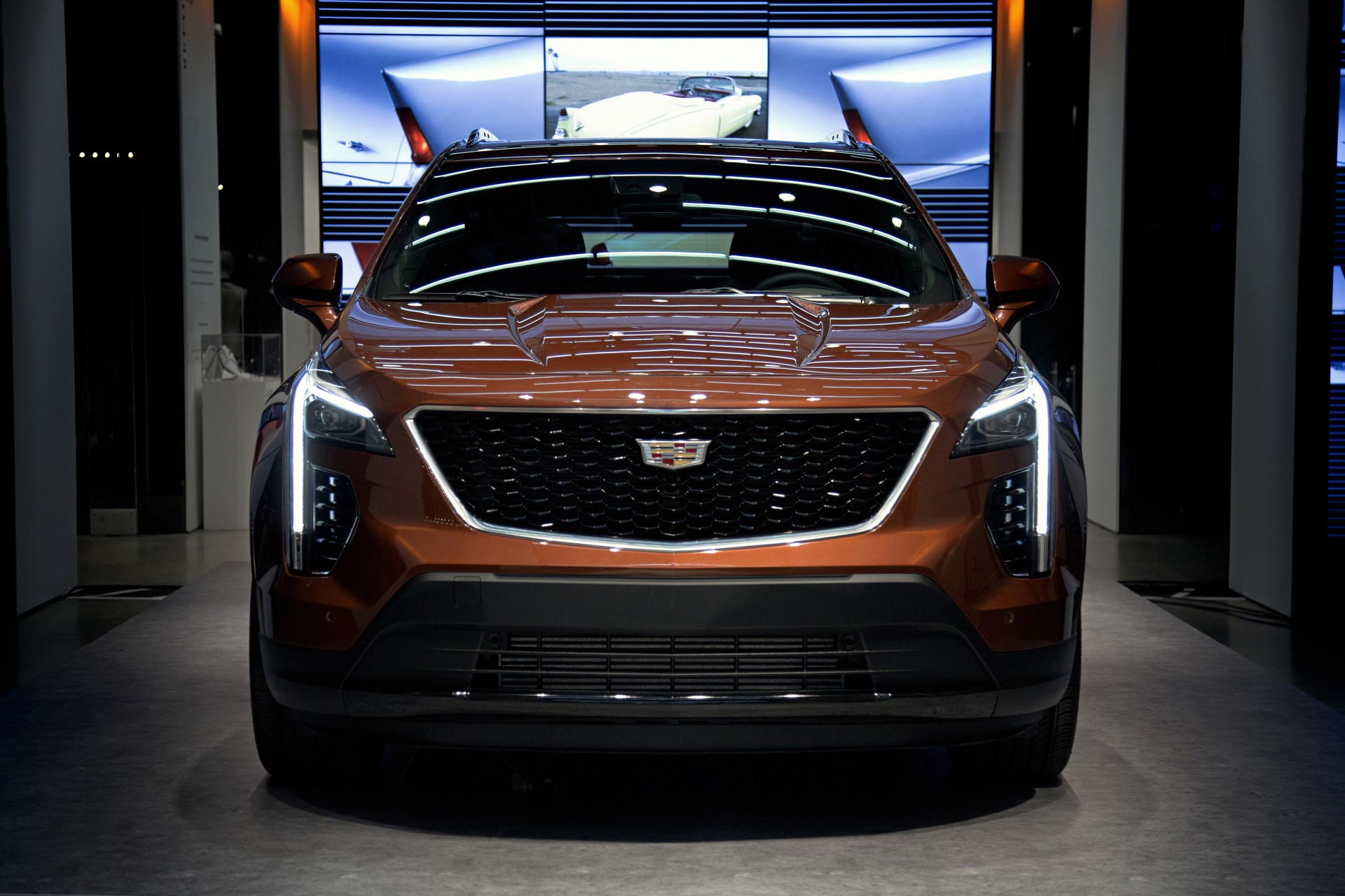 Cadillac-XT4-21