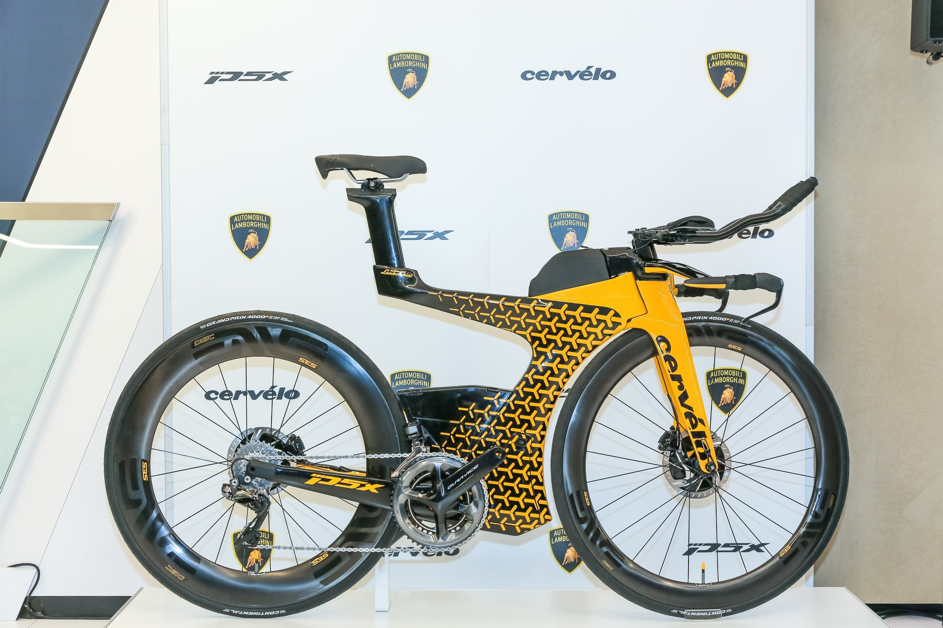 Cervelo P5X Lamborghini Bicycle (6)