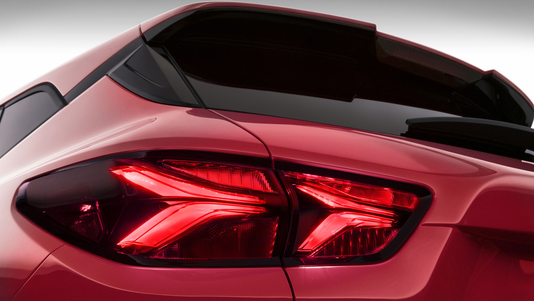 The 2019 Chevrolet Blazer features standard LED-illuminated Chevy signature dual-element taillamps.