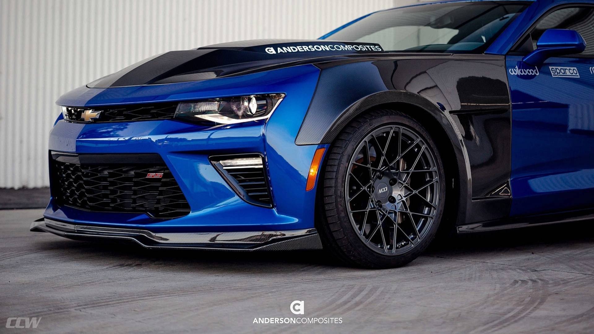 Chevrolet Camaro SS with carbon bodykit 6