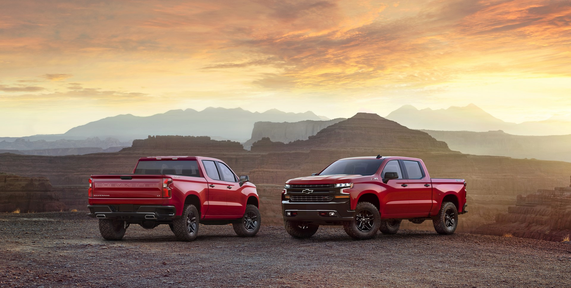 The all-new 2019 LT Trailboss (new trim for 2019) adds off-road equipment to the LT, including a 2-inch suspension lift and the Z71 Off Road Package, including locking rear differential, skid plates, Rancho shocks, 18-inch wheels and Goodyear Duratrac off-road tires.