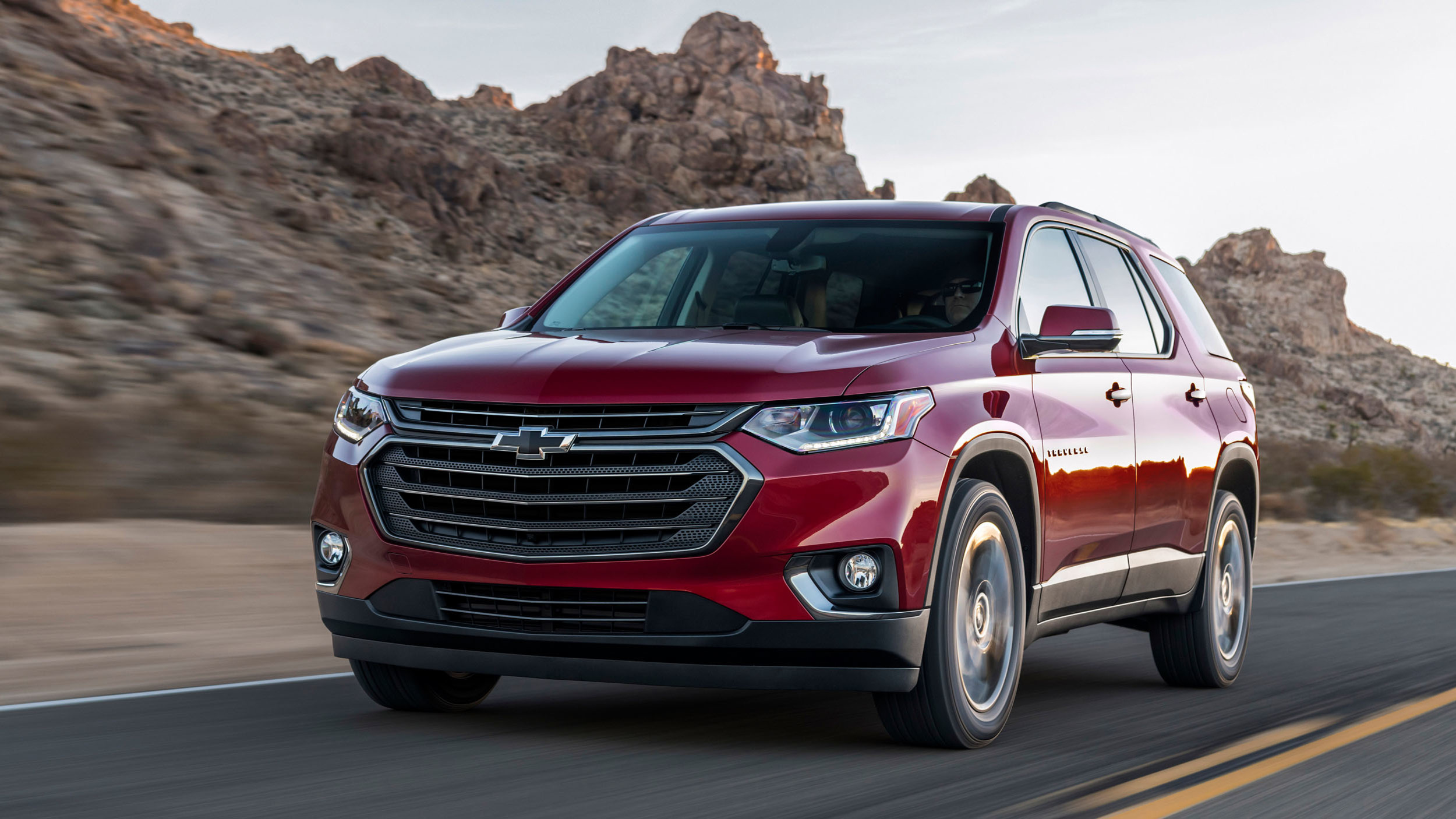 2018-chevrolet-traverse-rs-080-1