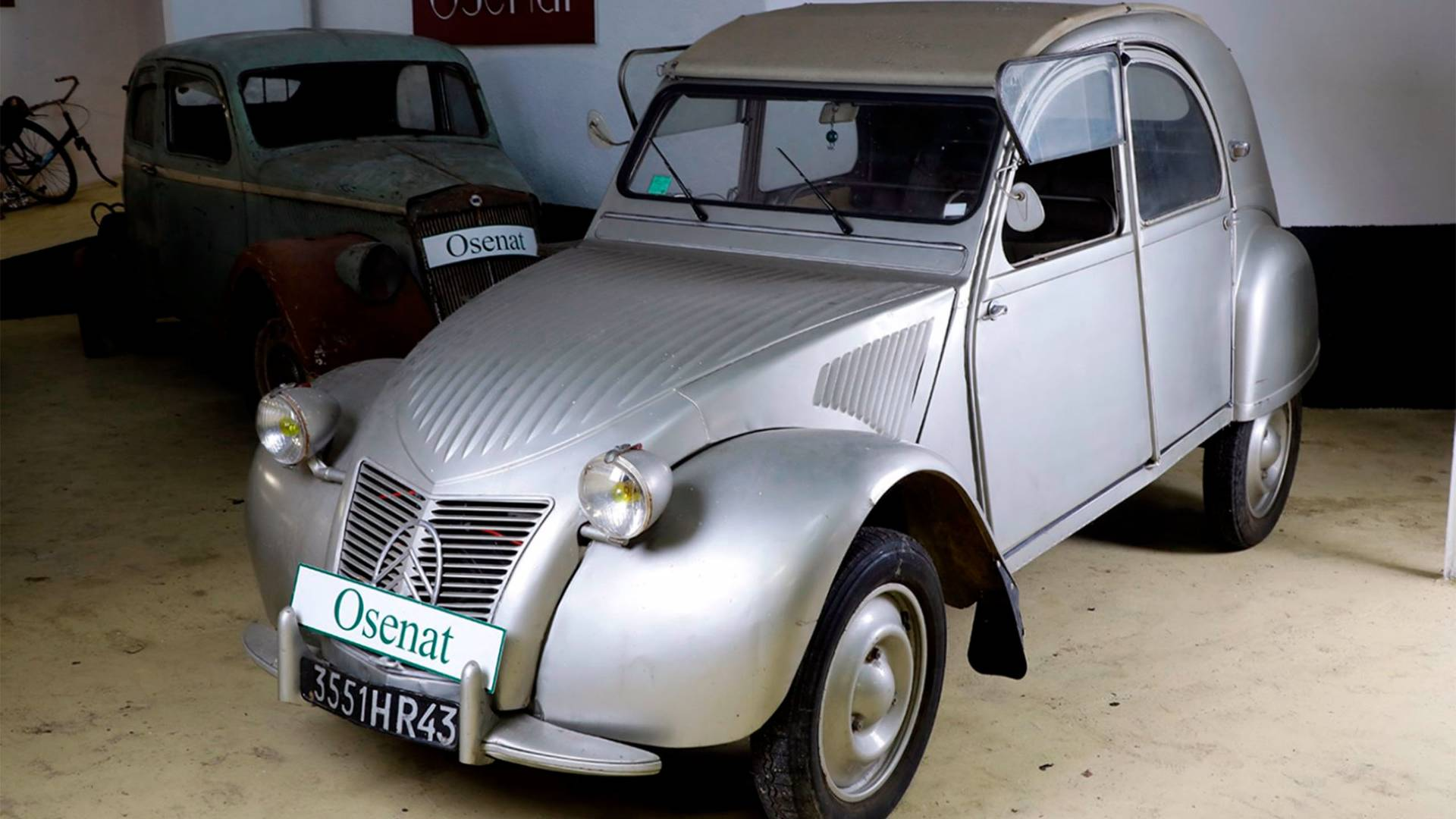 citroen-2cv-encheres-osenat (5)