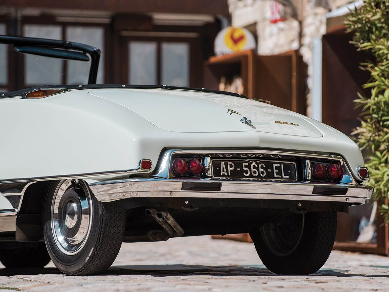 Citroen_DS_21_Decapotable_0011