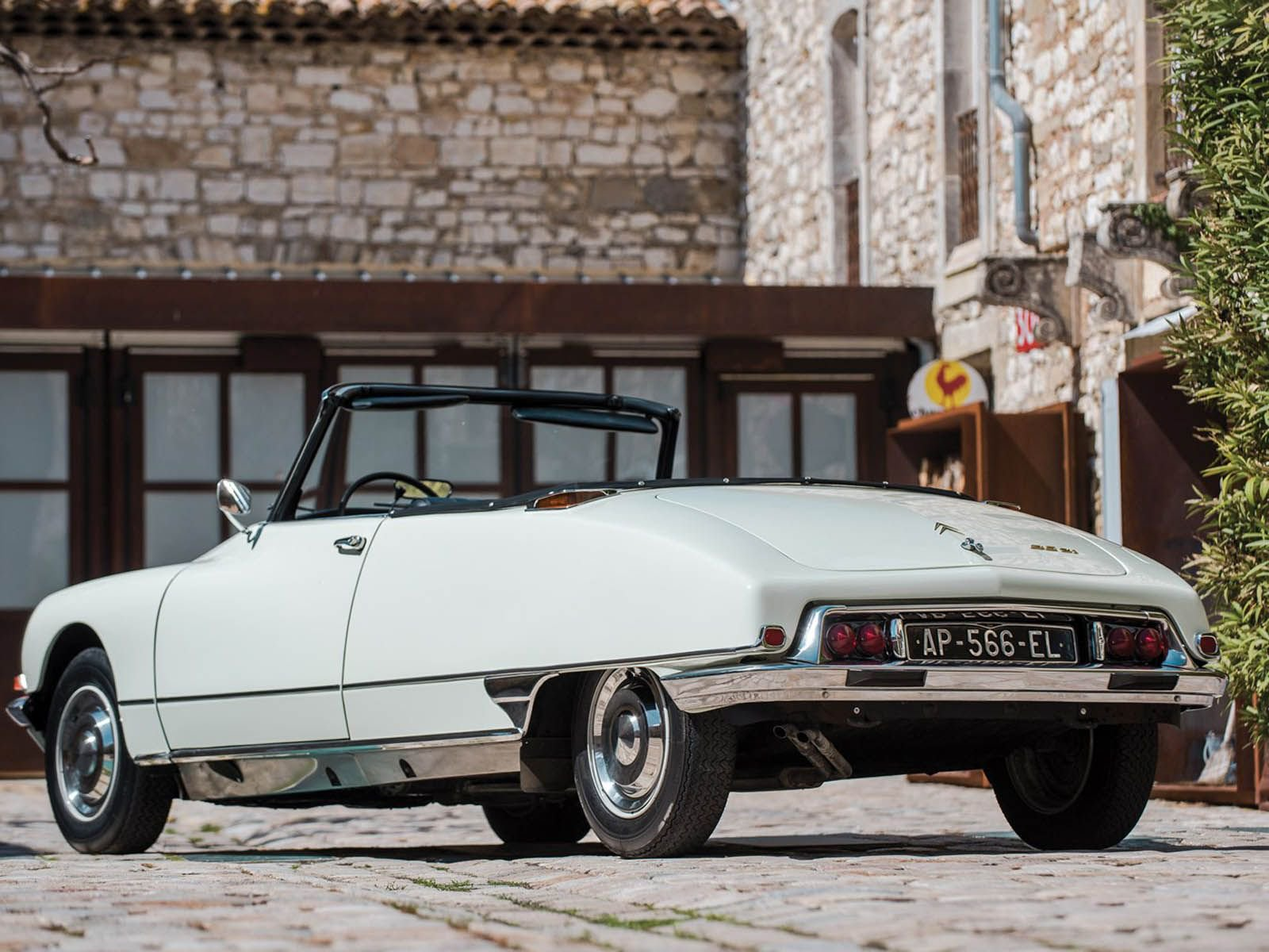 Citroen_DS_21_Decapotable_0020