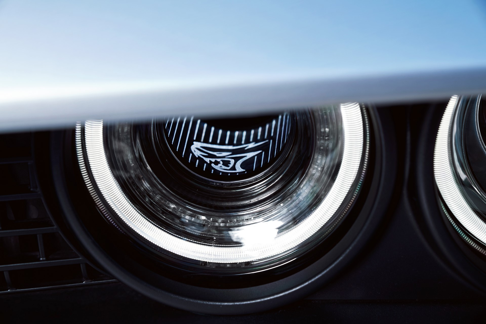 Driver-side functional Air-Catcher™ headlamp of 2019 Dodge Challenger SRT Hellcat Redeye Widebody