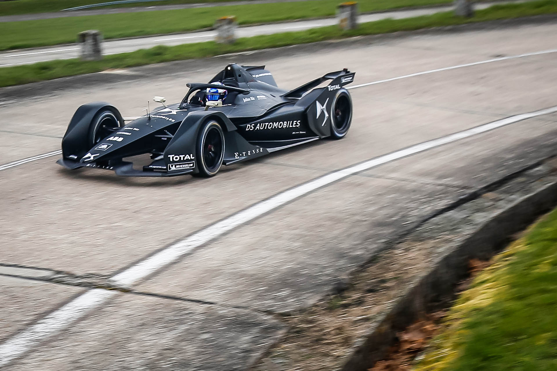 DS_Virgin_Racing_E-Tense_FE_19_0004