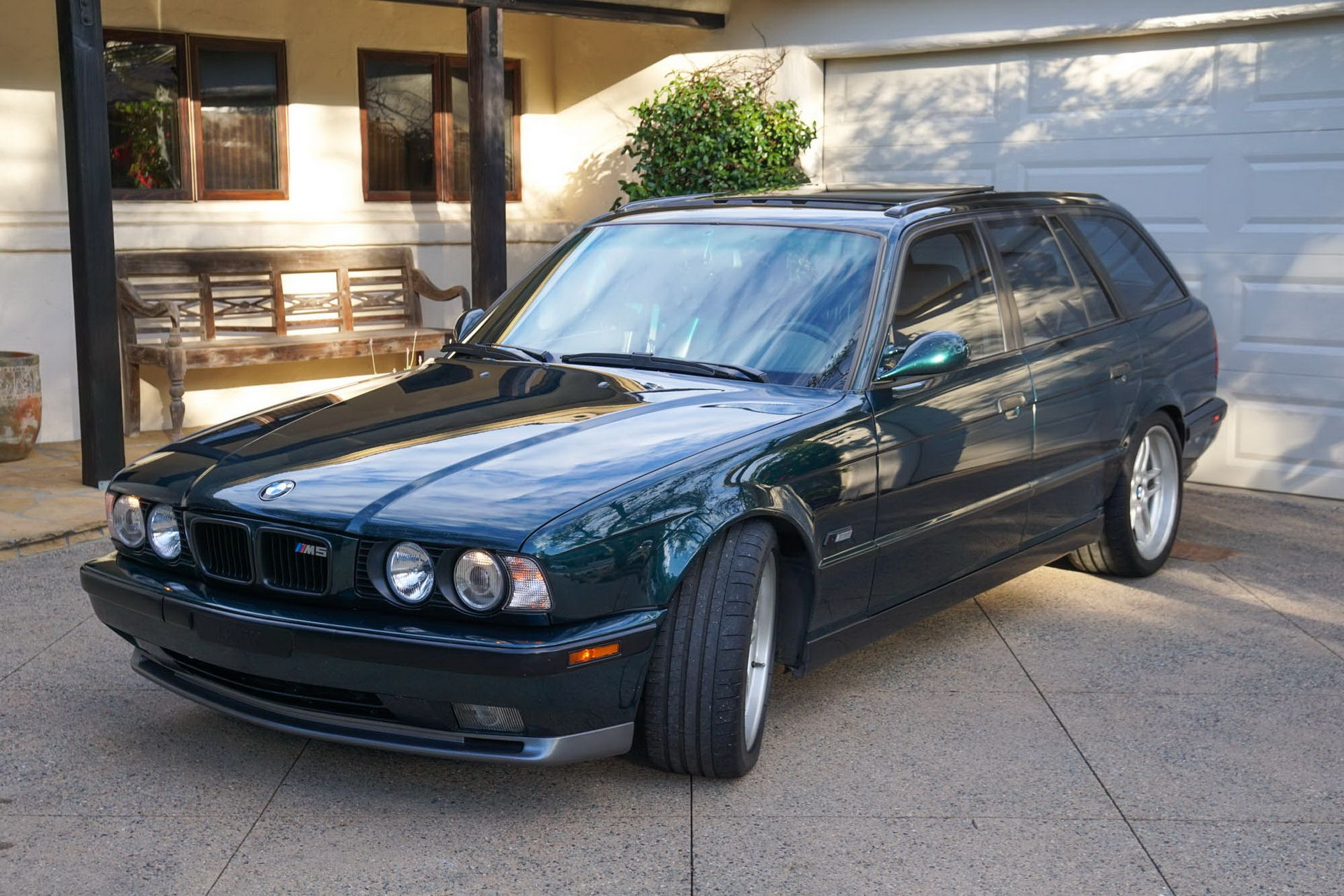 E34 BMW M5 Touring for sale (1)