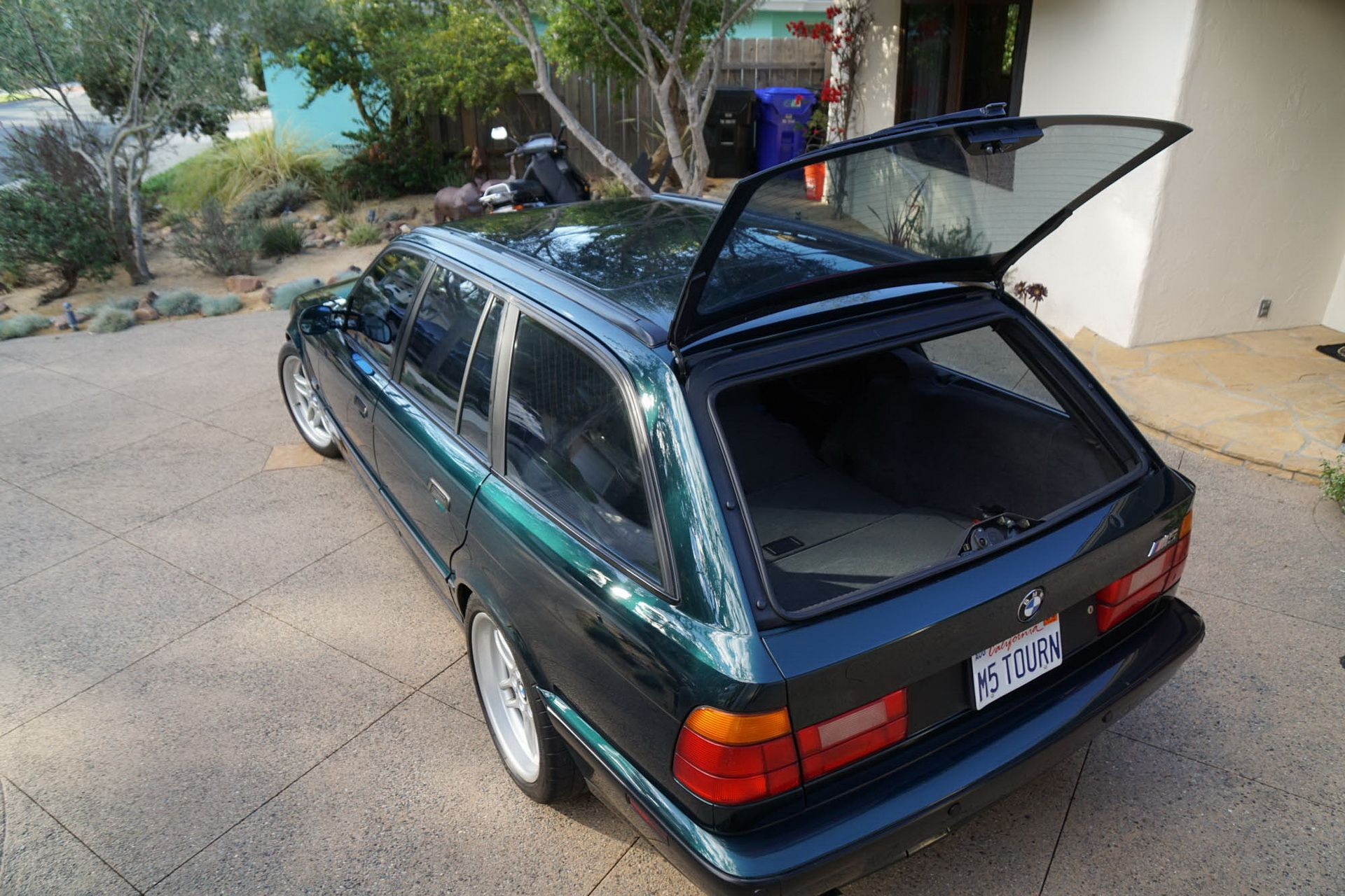 E34 BMW M5 Touring for sale (18)
