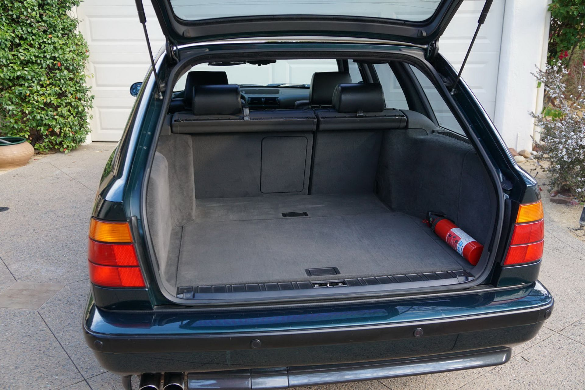 E34 BMW M5 Touring for sale (19)