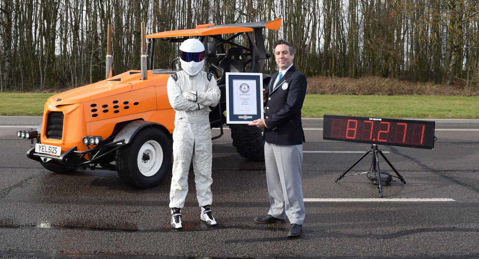 Fastest tractor in the world TopGear The Stig (1)