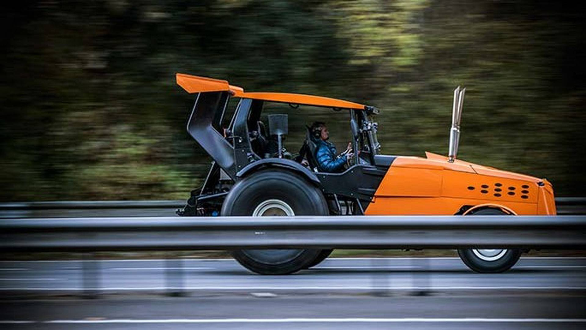 Fastest tractor in the world TopGear The Stig (8)
