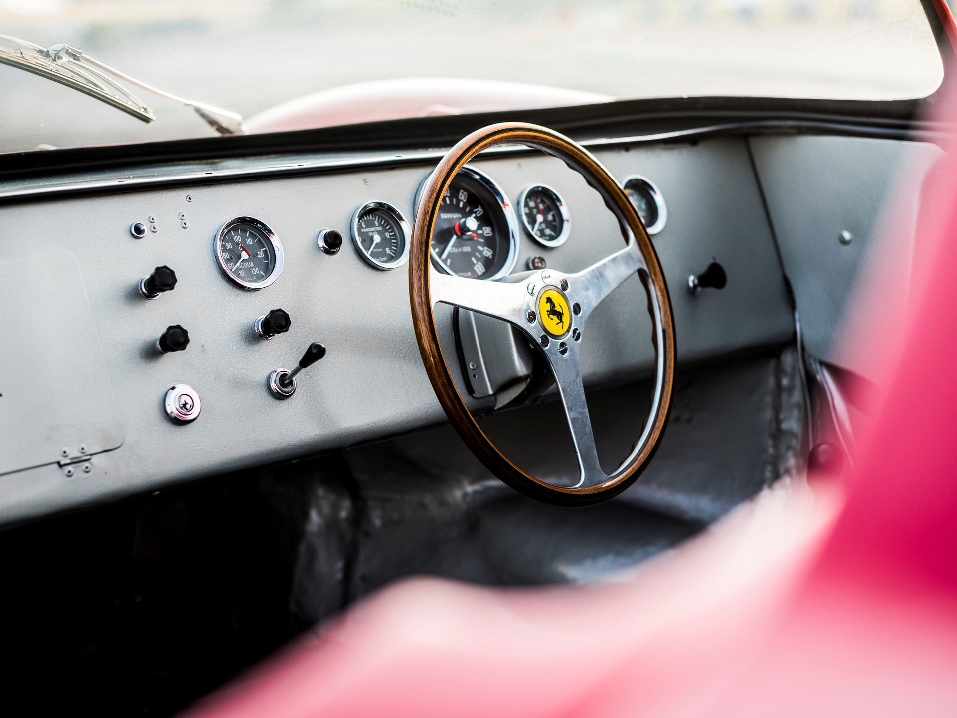 Ferrari 275 P auction (32)