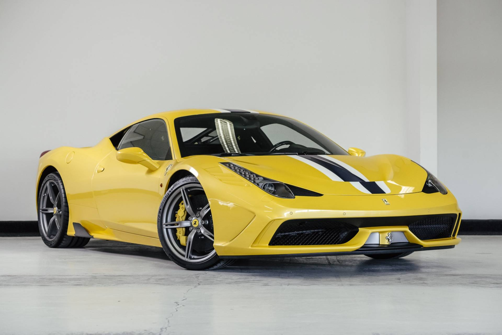 Ferrari_458_Speciale_for_sale_0000